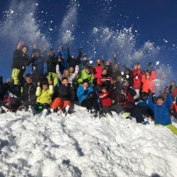 Die Wintersport-AG der Gesamtschule Marienheide trainiert Slalomrennen in Österreich
